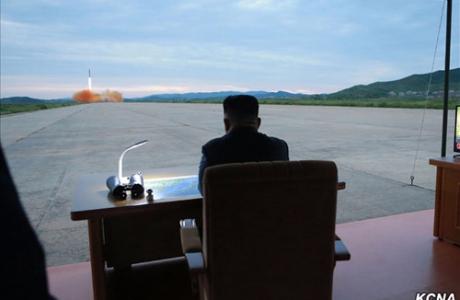 Từ chối đối thoại, Trump còn quân bài nào với Triều Tiên?